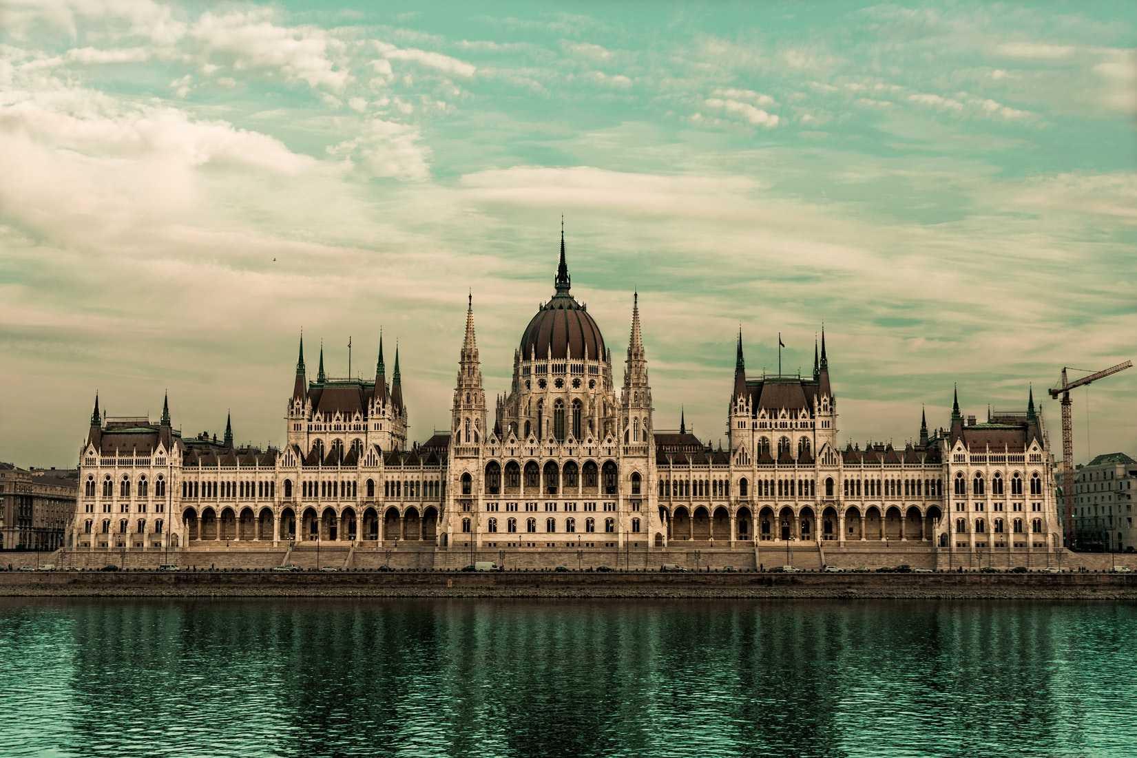 تور سفر به بوداپست با نهال گشت