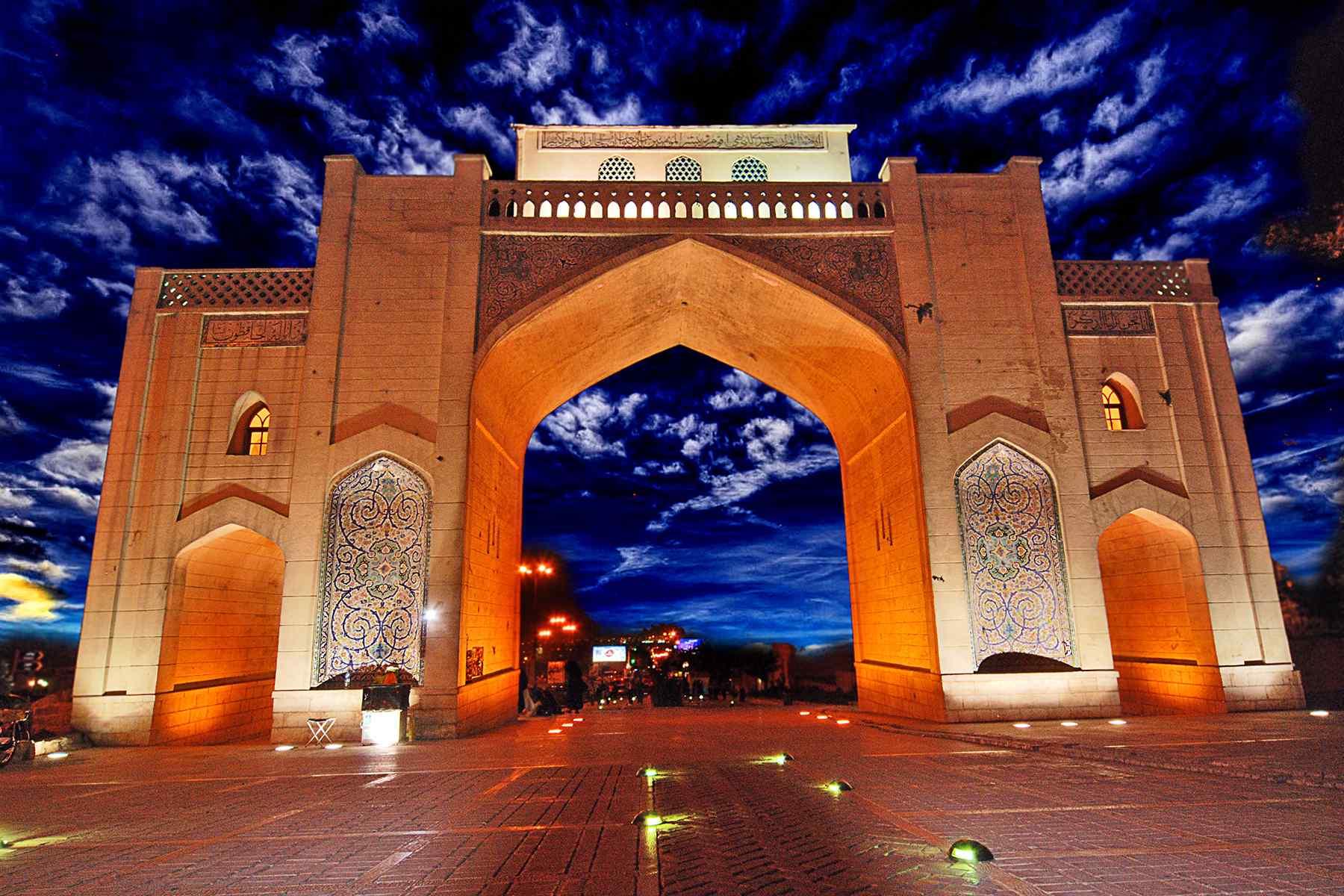 تور شیراز هوایی لحظه آخری و ارزان
