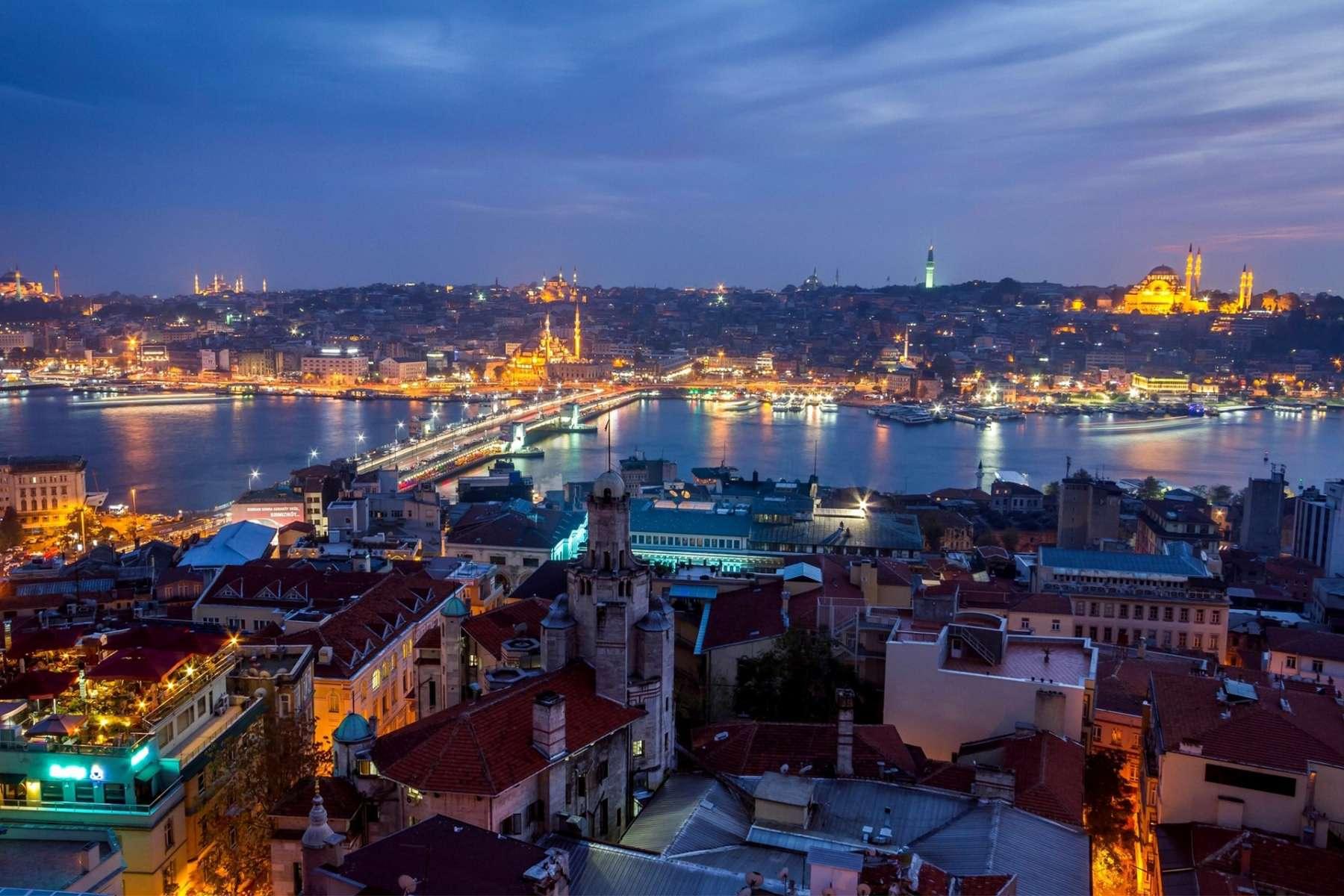 تور استانبول 4 روزه ویژه 12 بهمن ماه پرواز معراج