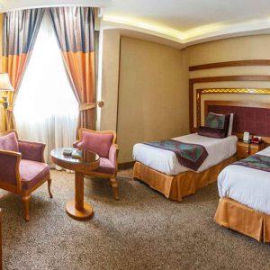 تور شیراز هتل آریو برزن
